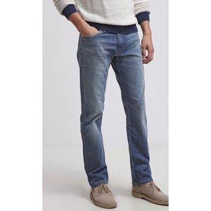 504 Levi's | Straight Leg